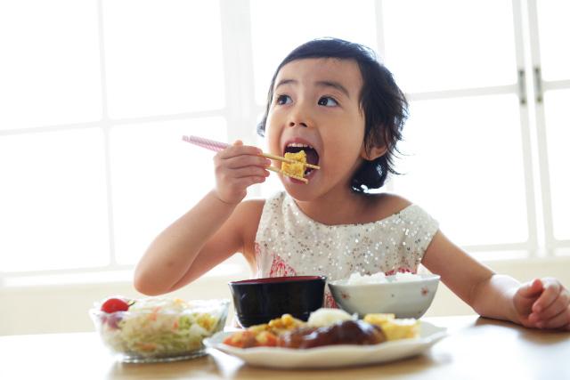 子供の食事(イメージ)